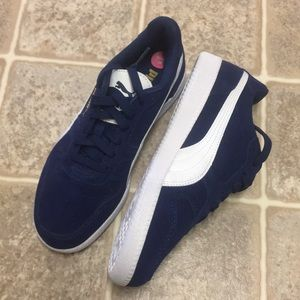 Puma suede sneakers blue and white